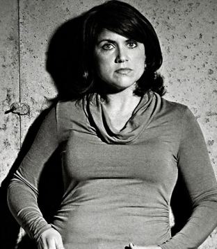 Lisa-Gardner-2_940x529-72-ppi